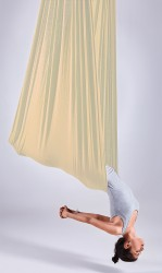 Aerial-Yoga-Tuch light nude