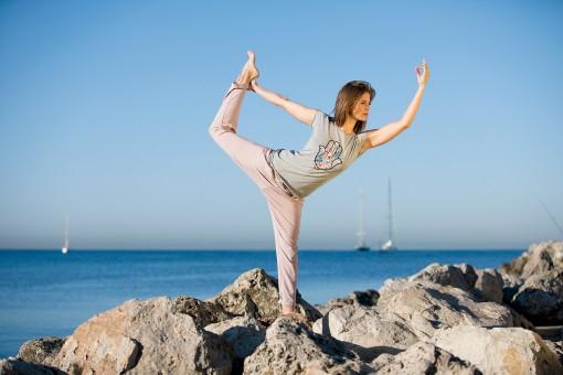 "Yoga T-Shirt ""Hamsa Flower"" - grau melange"