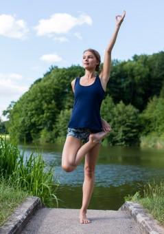 "Yoga-Top ""Open Back"" - deep blue"