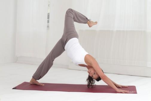 Esterilla de yoga basic OM