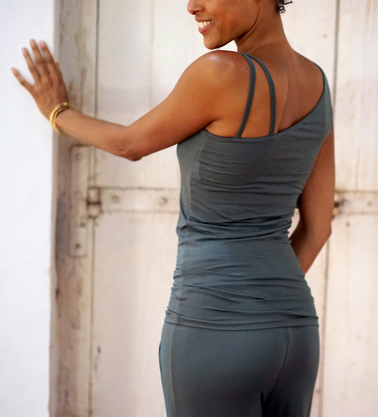 "Yoga-Tank ""Sheela"", dark olive"