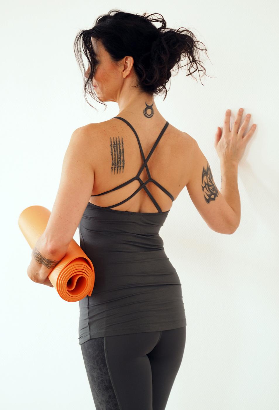 """Yoga-Tank """"Kali"""", dark olive"""