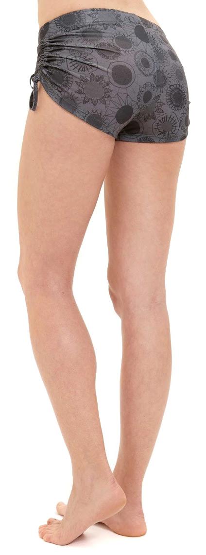 "Shorts ""Ninita"", florita print"